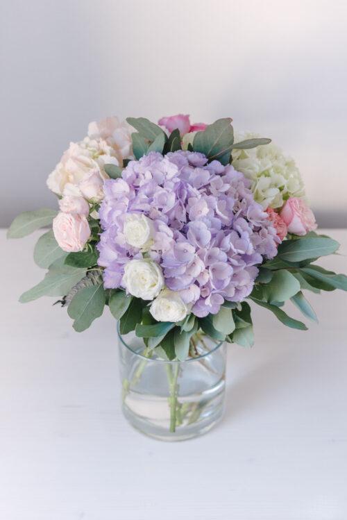 Buchet Cu 3 Hortensii Si 4 Minitrandafiri Pastelati