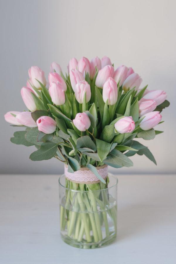 Buchet De Primăvară Din Lalele Roz
