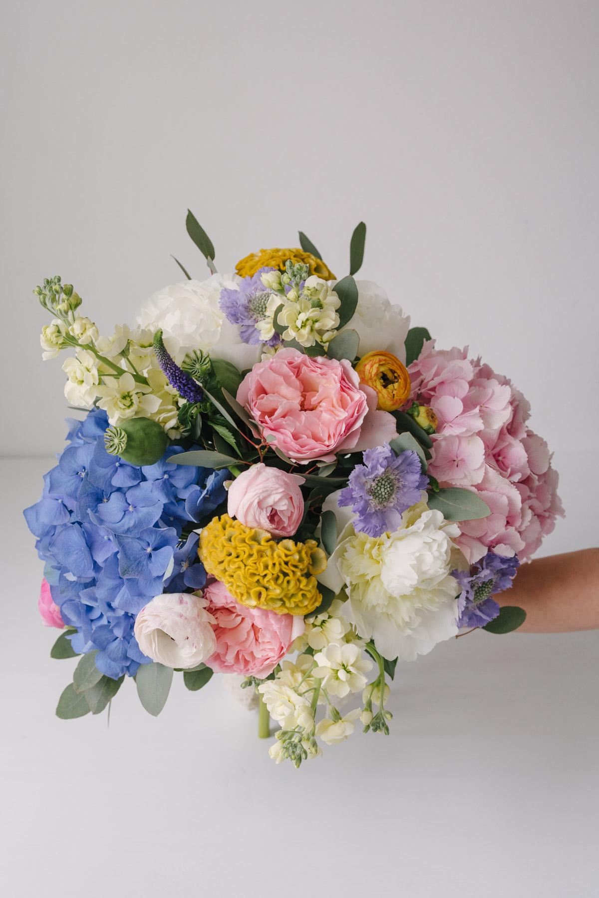 Buchet Din Flori Colorate