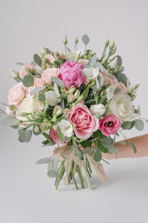 Buchet Pastelat Cu Bujor, Lalele, Frezii, Trandafiri, Alstroemeria