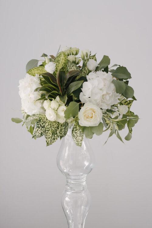 Aranjament Floral Masa Nunta Pe Vaza Din Sticla