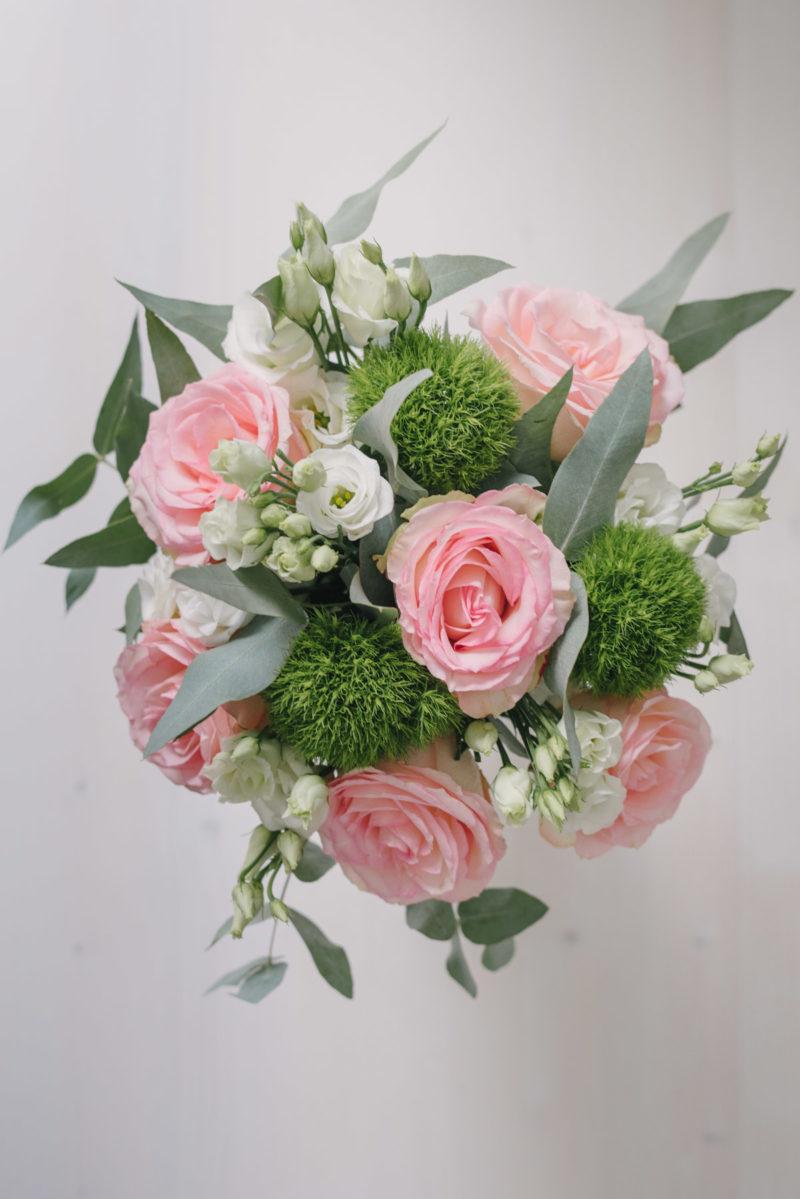 Buchet Cu Trandafiri, Lisianthus Si Garoafe