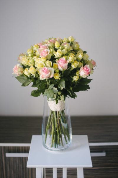 Buchet Din Trandafiri Si Minitrandafiri