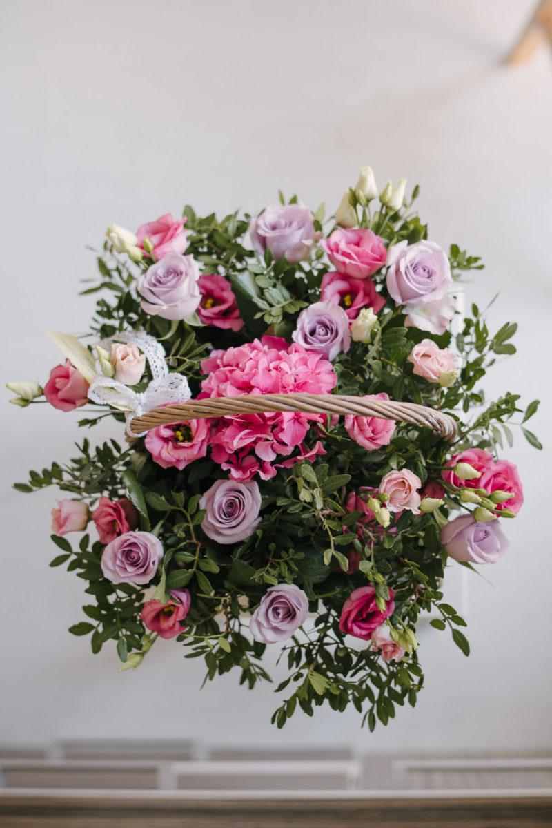 Cos Cu Trandafiri Hortensie Lisianthus